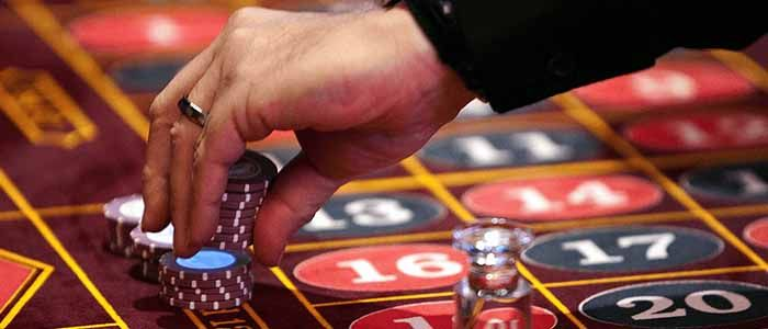 The different versions of gambling games to bring fun